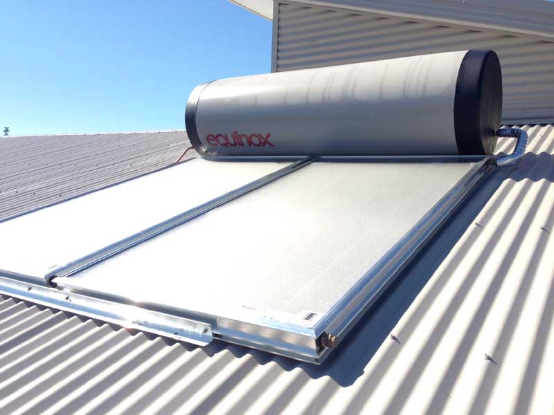 Equinox close coupled solar hot water