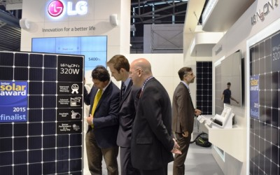 LG Wins Intersolar Award 2015